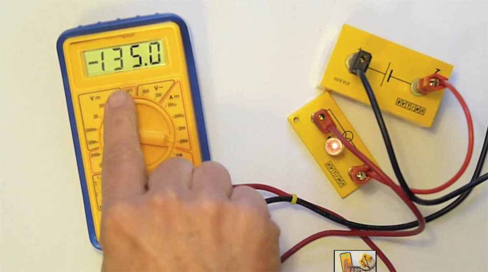 How to use a multimeter to measure current